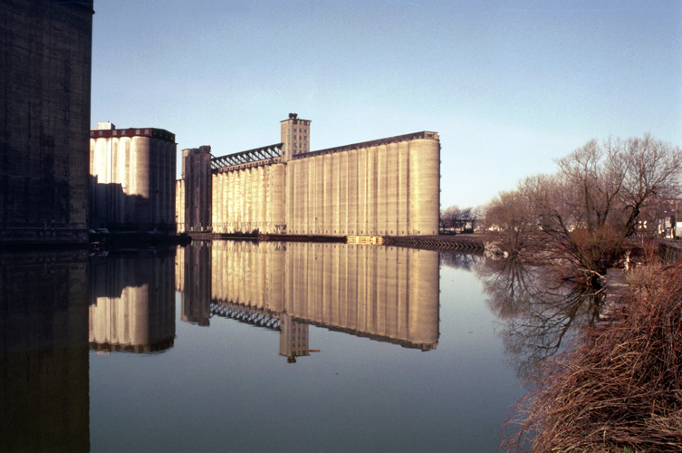 The Architectural Photography of Patricia Layman Bazelon - Grain Elevators