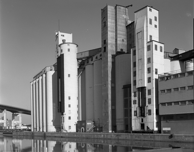 CEPA Gallery Art Collection - The Architectural Photography of Patricia Layman Bazelon - Grain Elevators