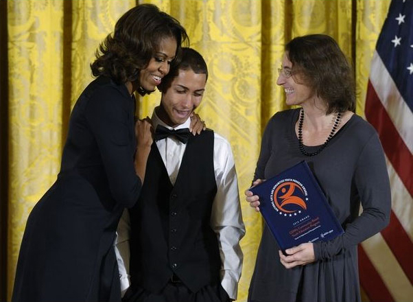 CEPA Gallery - Michelle Obama presents the PCAH National Arts and Humanities Youth Program Award